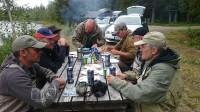 gezellig lunchen aan de waterkant